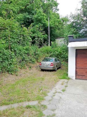 prywatne miejsce parkingowe apartamentu fabryka endorfin w kłodzku/private parking place in apartment Fabryka Endorfin Klodzko