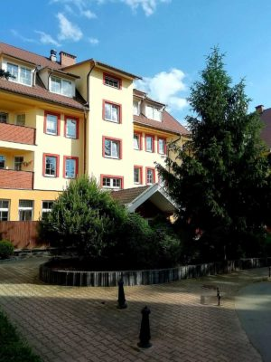 widok z zewnątrz apartamentu fabryka endorfin w kłodzku/entrance of apartment Fabryka Endorfin Klodzko