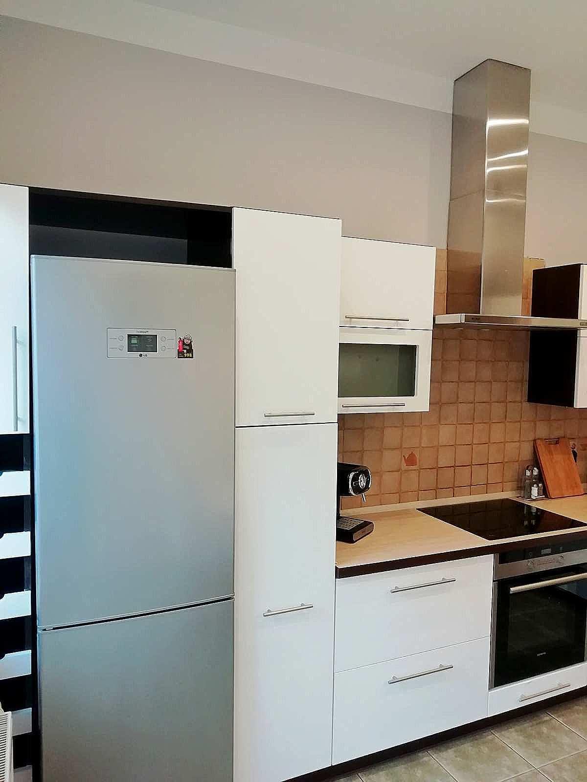 widok kuchni apartamentu fabryka endorfin w kłodzku/kitchen in apartment Fabryka Endorfin Klodzko
