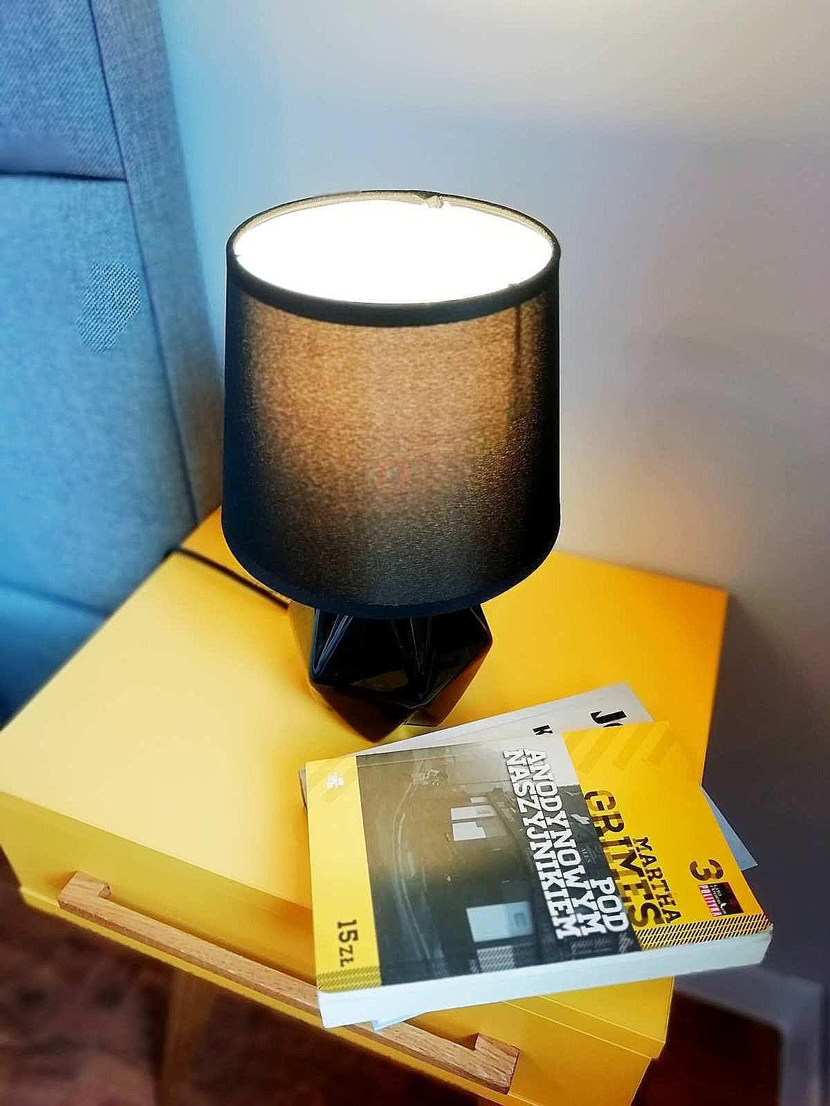 lampa sypialni apartamentu fabryka endorfin w kłodzku/lamp in apartment Fabryka Endorfin Klodzko