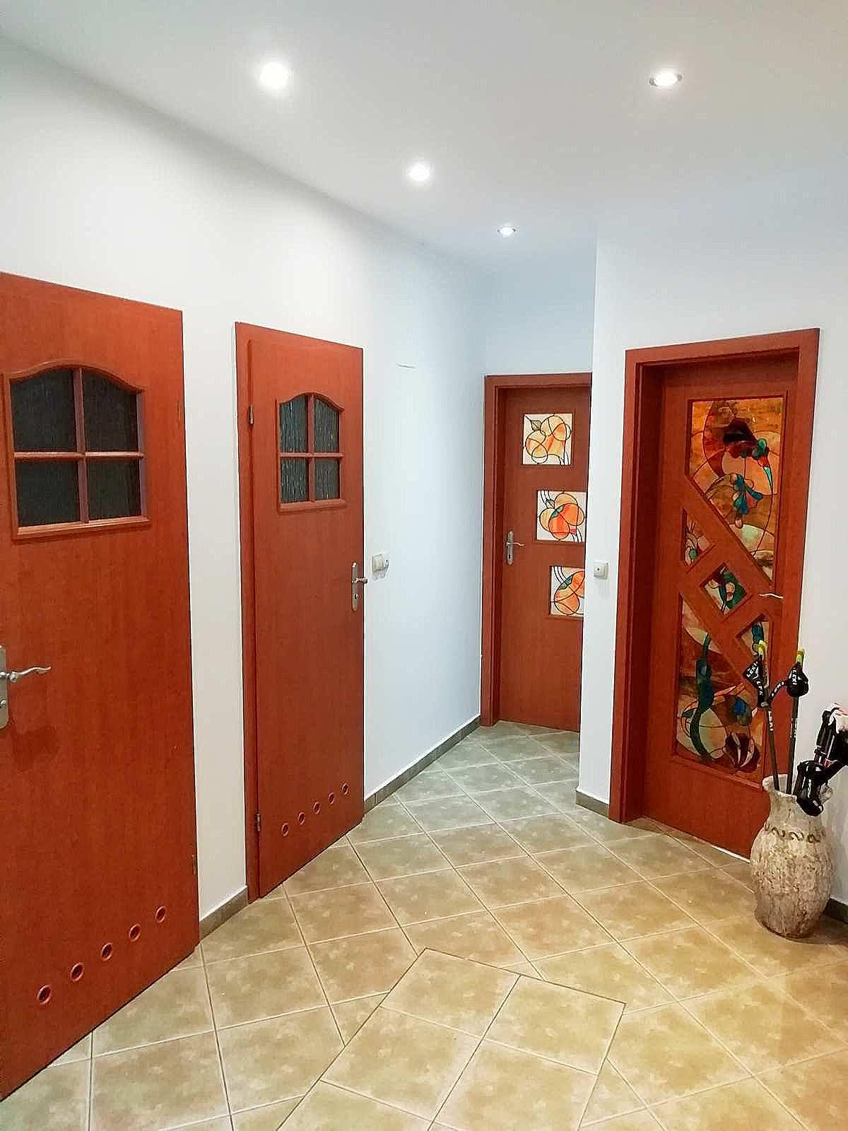 przedpokój apartamentu fabryka endorfin w kłodzku/Hall in apartment Fabryka Endorfin Klodzko